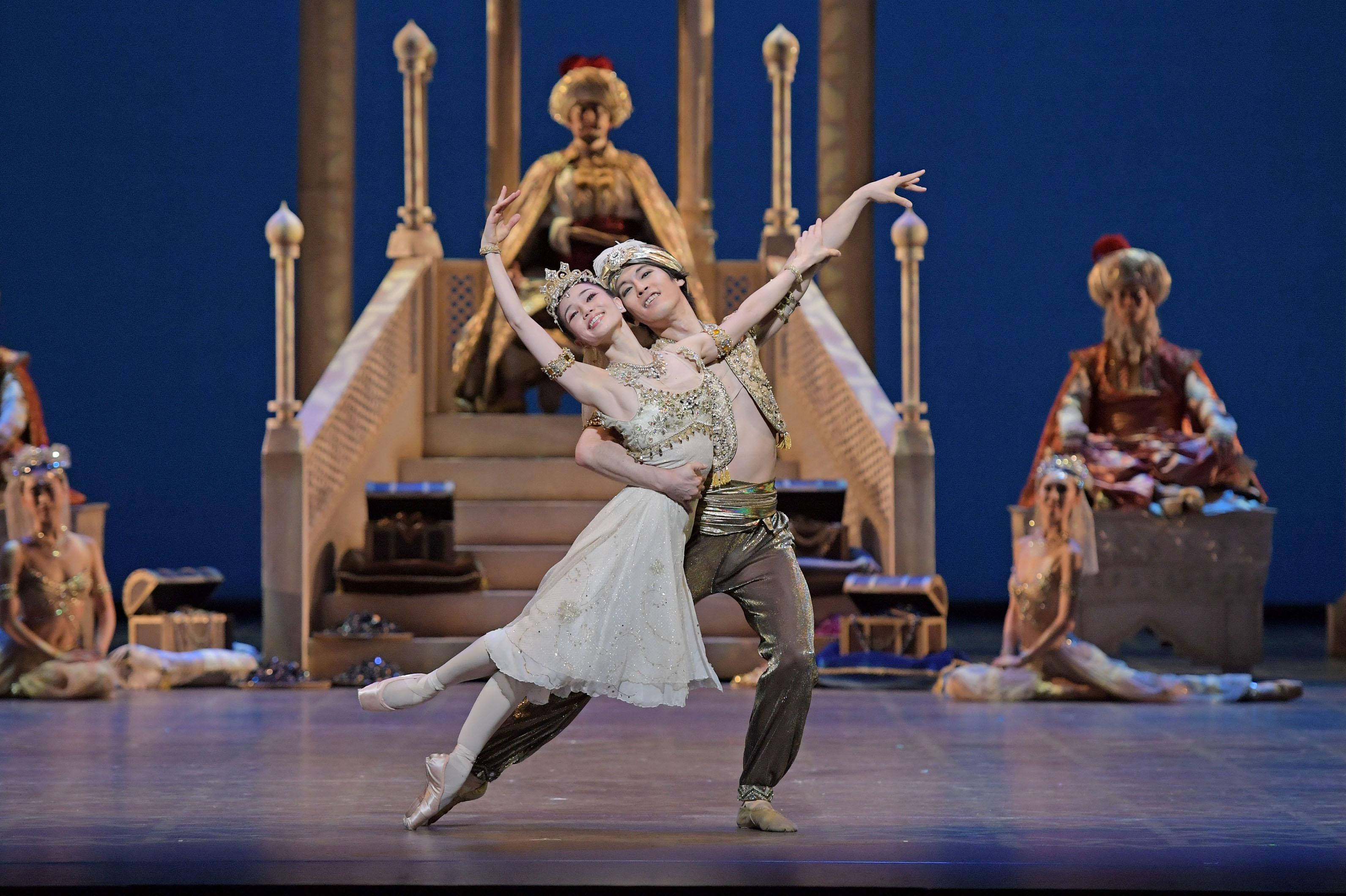 【動画レポ】舞台稽古&舞台裏に密着!新国立劇場バレエ団「アラジン」