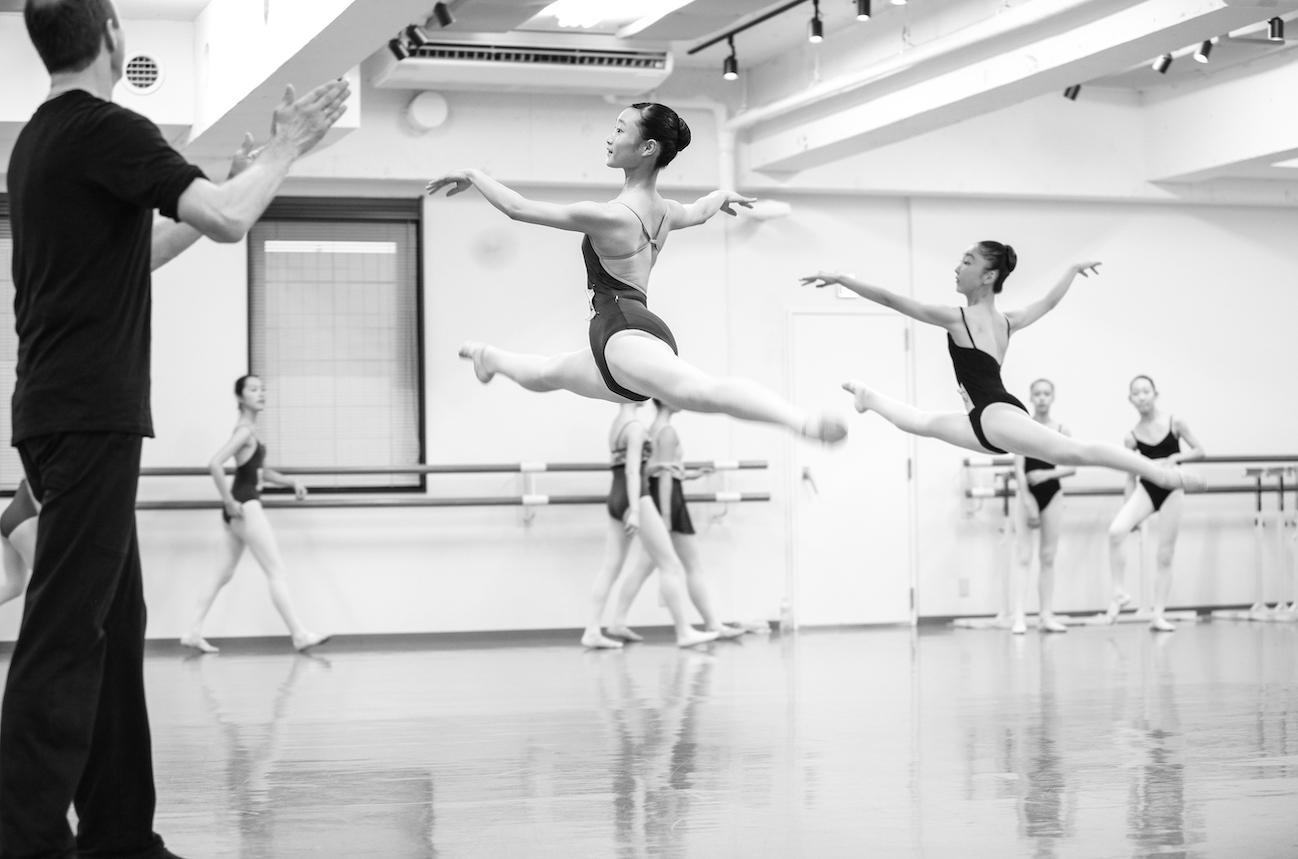 """【インタビュー】パリ・オペラ座バレエ教師 アンドレイ・クレム氏に聞く①「パリ・オペラ座スタイルのクラスで、""""ダンスすること""""を教えたい」"""