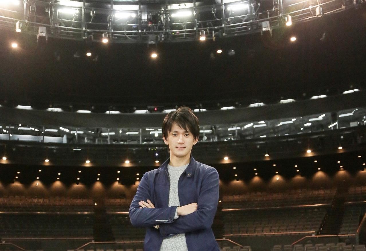 【新連載】僕はいま、自分の手で絵筆を握ってーーバレエダンサー篠宮佑一、夢の舞台を創るまで〈第1回〉まさか、あの劇場を!?