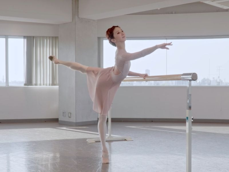 【動画で実演!】CD「Dear Tchaikovsky~Music for Ballet Class」監修・永橋あゆみさんに教わるミニレッスン〜#1【Barre】
