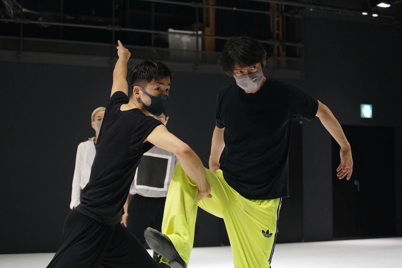 【特集:DDD2021】小林十市×金森穣クロストーク〈前編〉〜十市さんの身体は、自分が思うよりも踊っているし、語っている